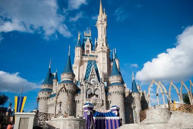 Disney revela pistas de la nueva versión de La Bella y la Bestia