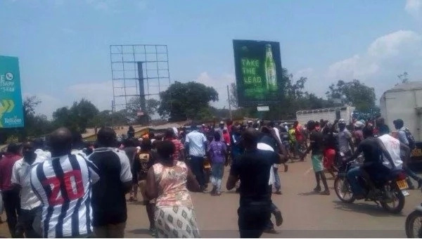 Celebrations in Kisumu, Kibera as Raila Odinga wins presidential petition (photos)