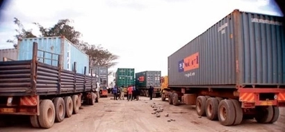 20 lorry DRIVERS save a woman, her kids from death in Tsavo, it's the best thing you'll read today (photos)