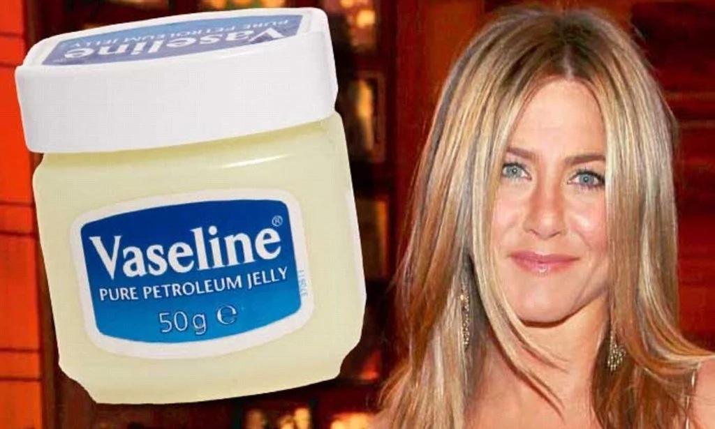 Ella sólo usa 1 ingrediente, ¡y todos le calculan 10 años menos! Increíble aspecto