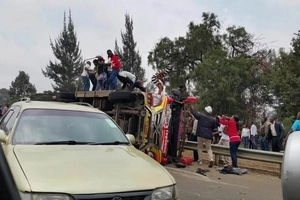Kenyans wear DIAPERS to protest reckless driving in Kenyan roads (photos)