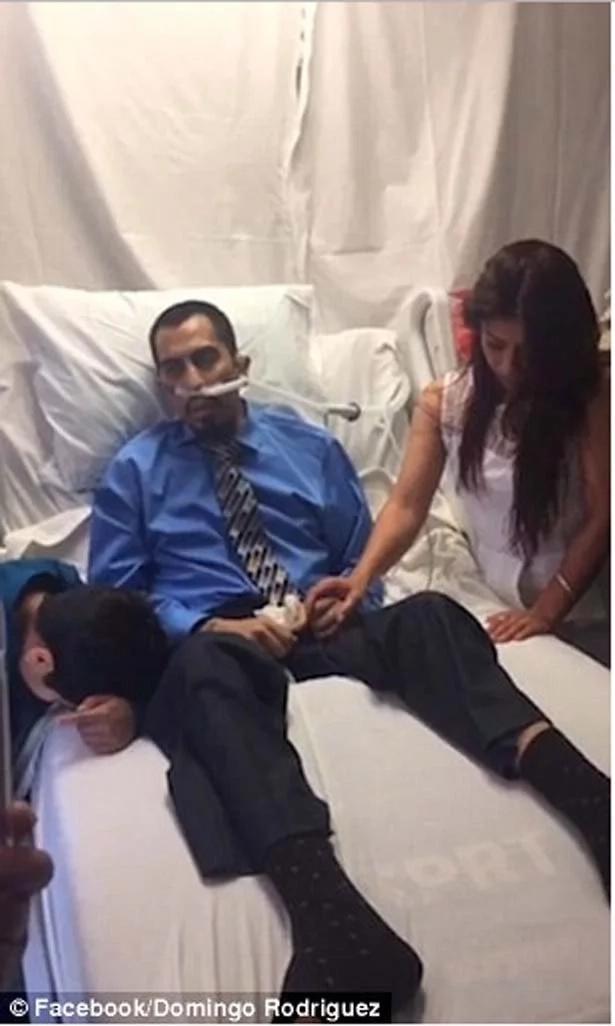 Paciente de cáncer se casó con su novia luego que el hospital arreglara una conmovedora ceremonia de último minuto