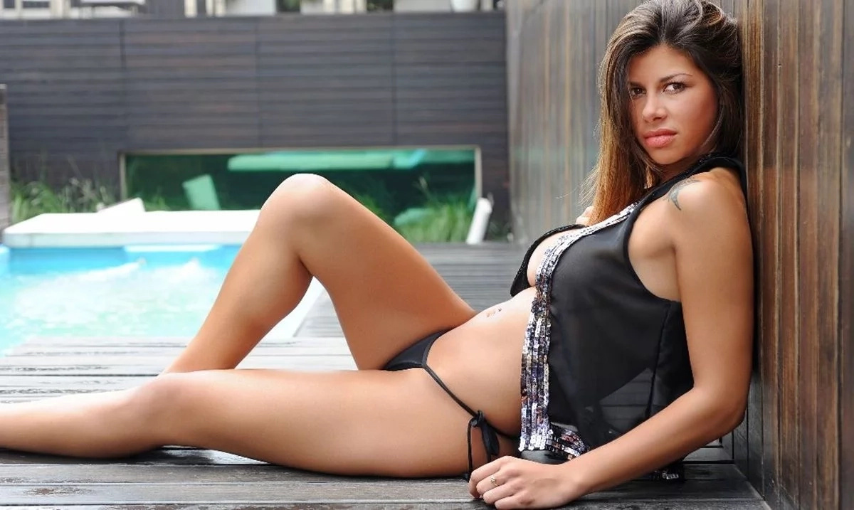 Model claims Lionel Messi is like a dead body in bed