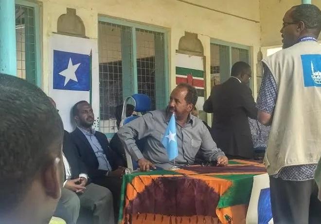 Somali president warns against closing Dadaab refugee camp
