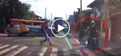 Reckless Pinoy motorbike rider beats red light and brutally hits 2 women crossing pedestrian lane