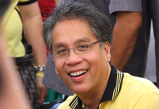 Mar Roxas casts vote; confident of election results