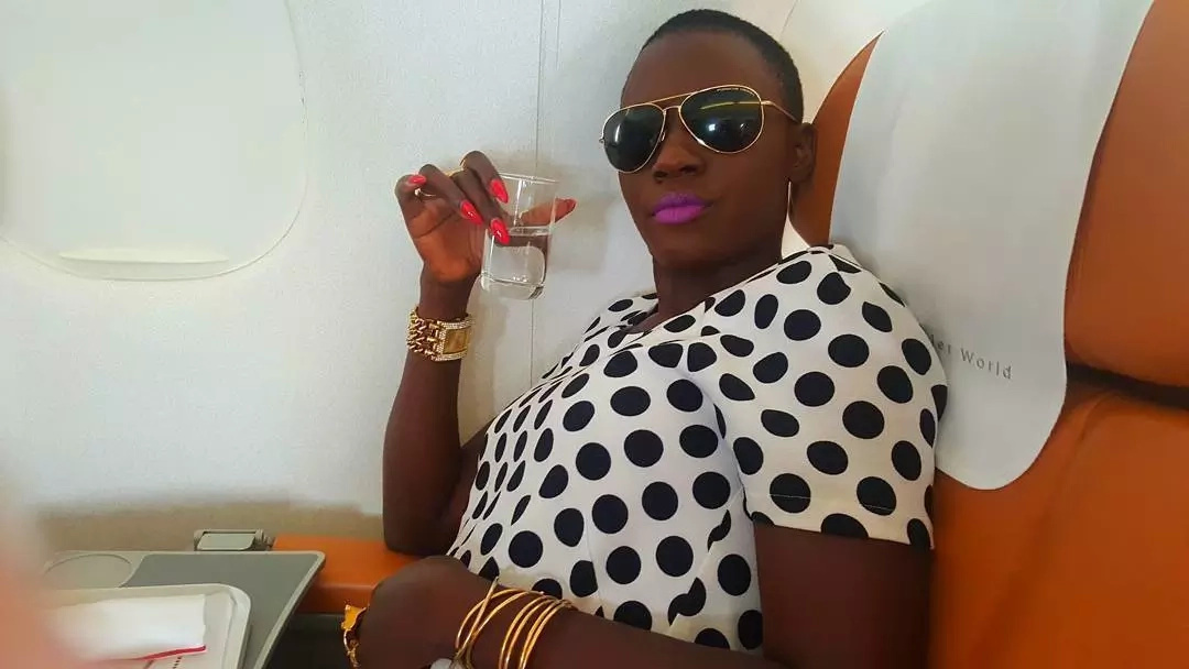 Akothee licks her sufuria's to save food(video)