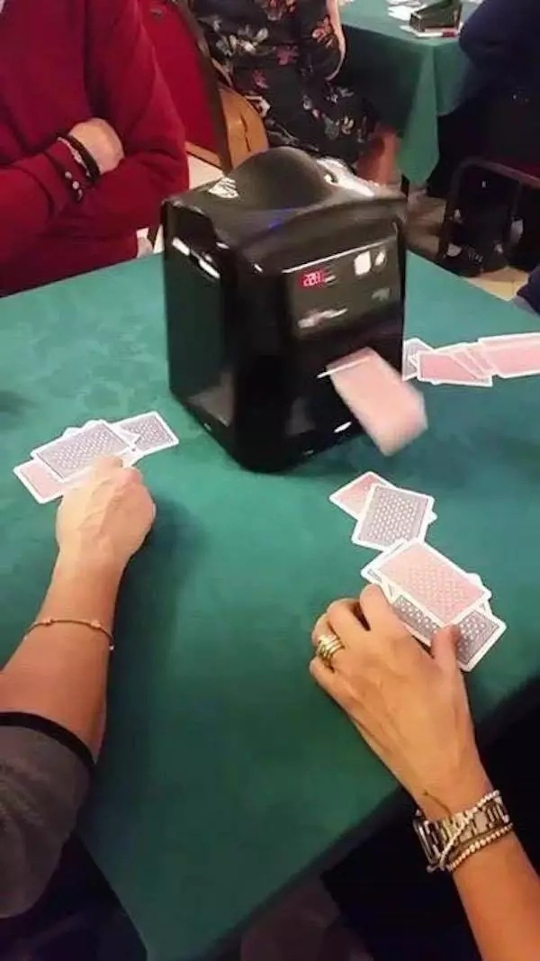 card-machine