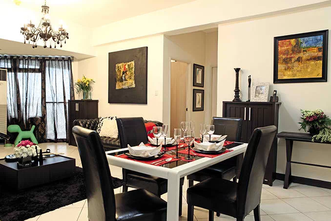 Mariel Rodriguez's glam three-bedroom condo