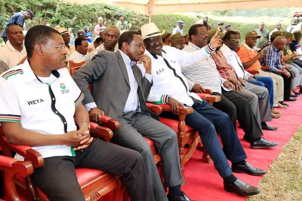 Jubilee MPs laugh of Raila's swearing in