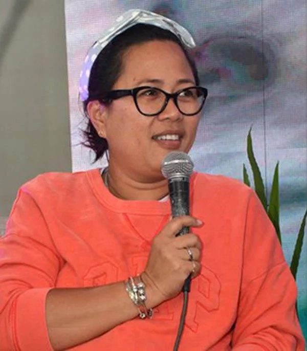 Direk Cathy Garcia-Molina apologizes for tweet against James Reid and Nadine Lustre