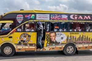 American ambassador to Kenya rides a matatu in Nairobi, reveals what make America GREAT (photos)