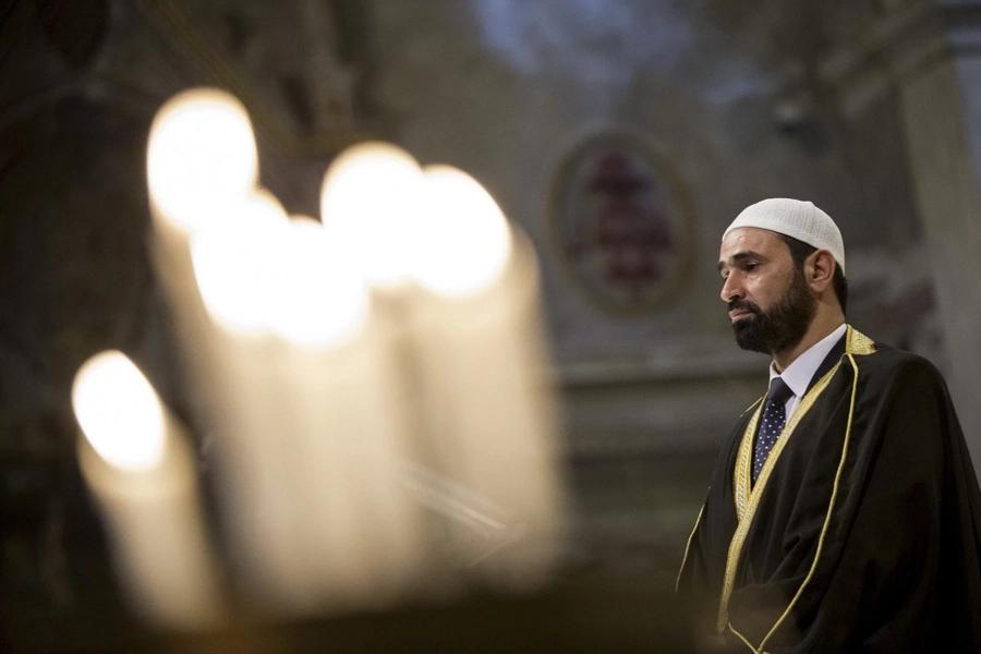 Muslims show solidarity, attend Catholic mass