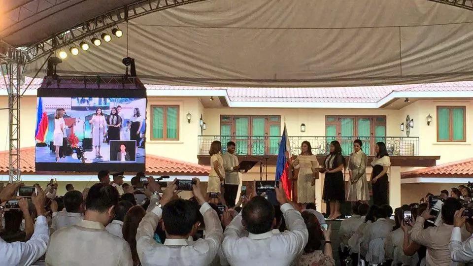 Roxas, Drilon, Belmonte attend Leni's inauguration