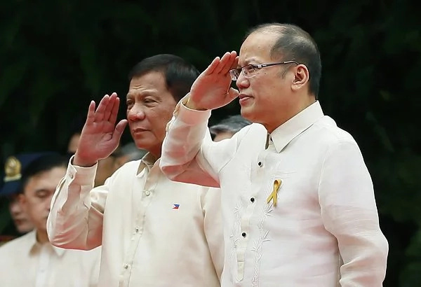 Duterte's admin receives P1 trillion budget from Aquino