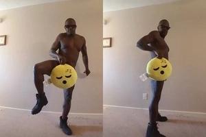 Eish!! African man posts his nude photos on Facebook