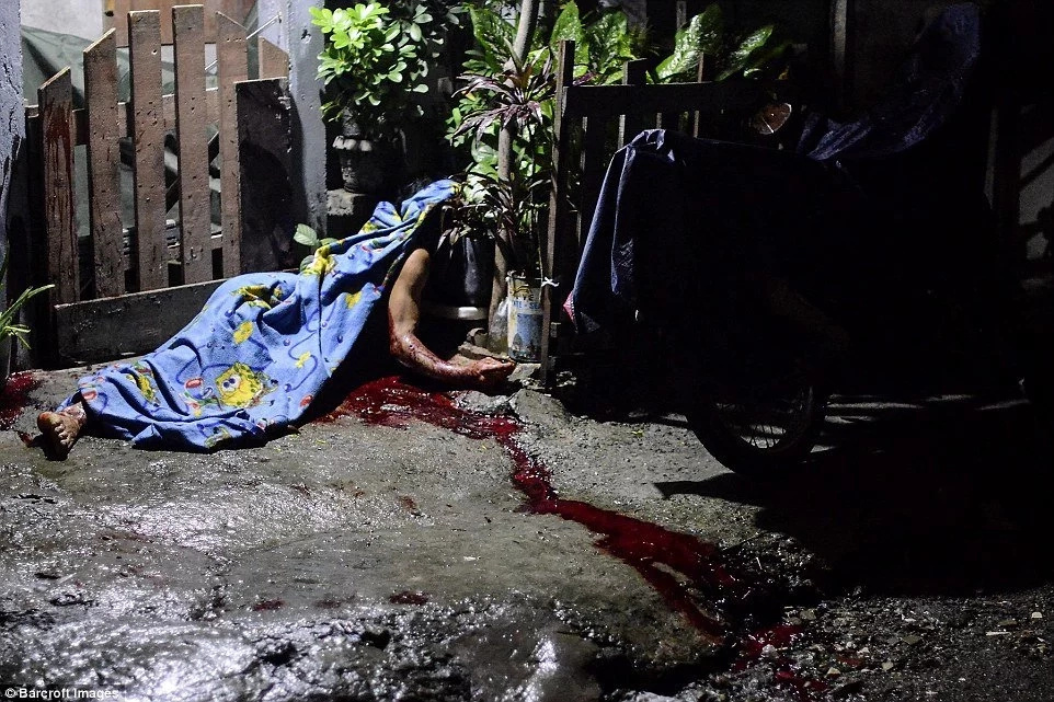 Drug dealers' bodies litter the streets of Philippines again!