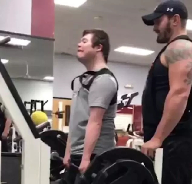 Inspiring! Disabled man powerlifts 185lbs in readiness for competition in Special Olympics (photos)
