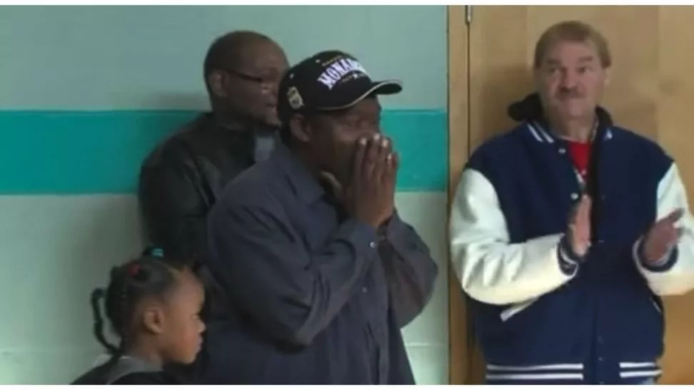 Homeless father of twins thought it was just an interview. He was wrong! (photos, video)