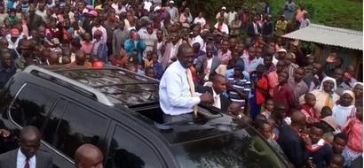 William Ruto amjibu Raila Odinga baada ya kuitwa MWIZI (video)