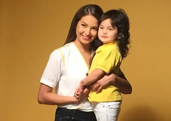 Sarah Lahbati gives responses to comments about pregnancy