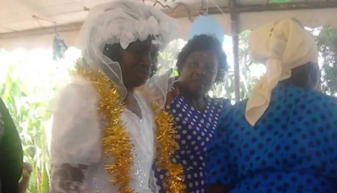 Woman goes and marries the church after husband's problems(photo)