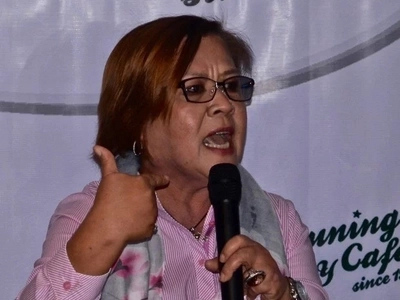 Huwag ako! Disgusted De Lima strongly denies being a slut
