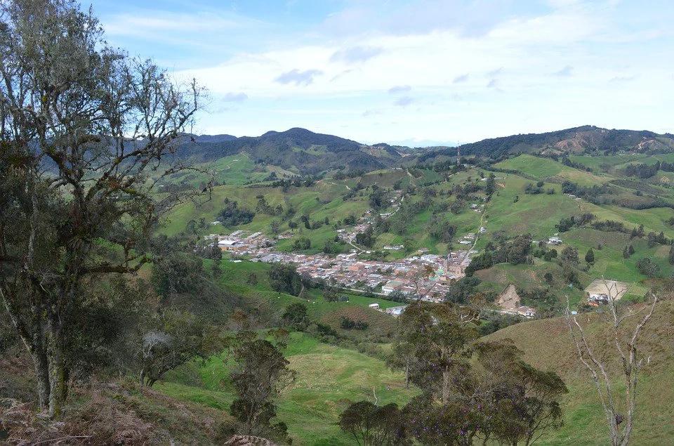 Grupos ilegales están tomando territorios que dejan las FARC