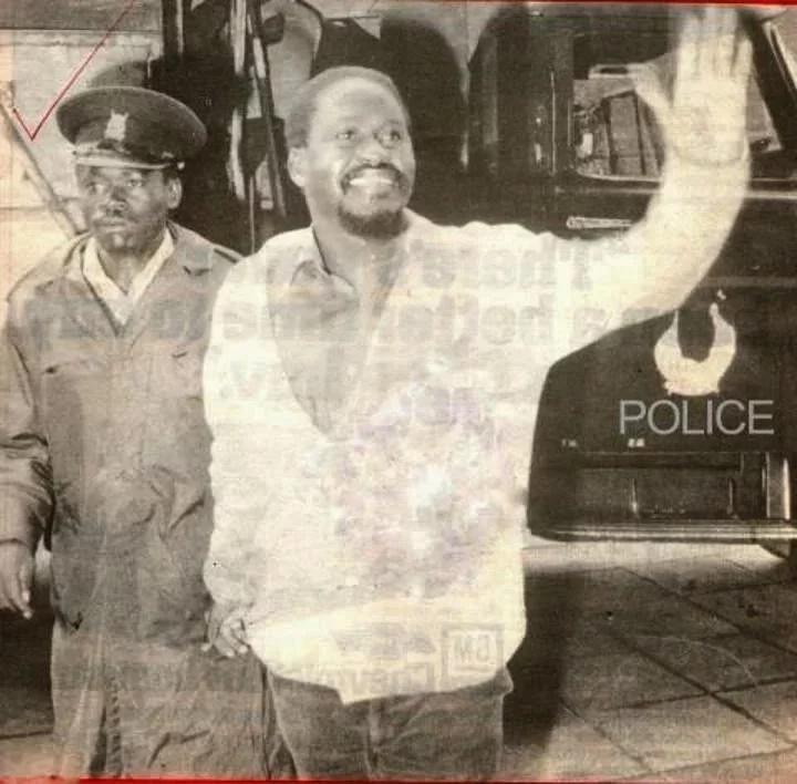 Raila Odinga alipokuwa kijana