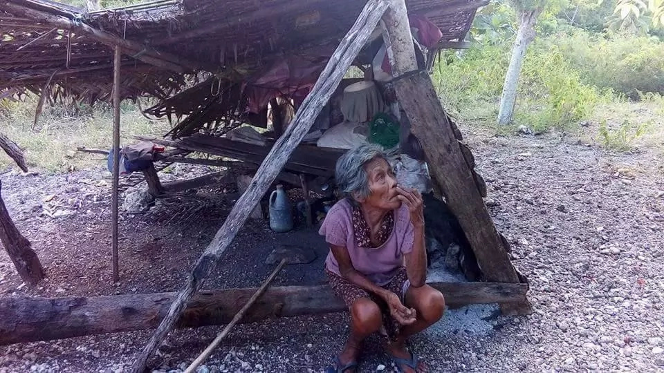 Heartbreaking! This Old Woman Lives in This Small Hut By Herself