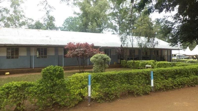 Wasichana wa sekondari wawaalika wavulana 10 kula 'Uroda' na kinachotokea baadaye…Jisomee mwenyewe