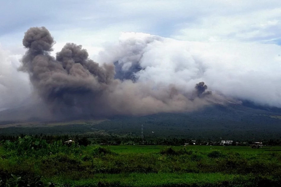 PHIVOLCS raises alert level 3 for Mayon Volcano