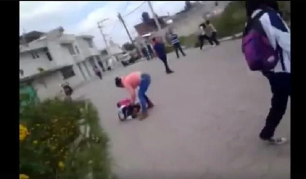 Niña hacía bullying a su compañera, y la mamá cobró venganza