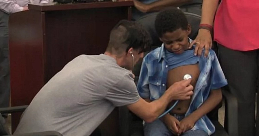 Father hears his dead daughter's heart again beating inside a boy, who nearly died waiting for a lifesaving transplant