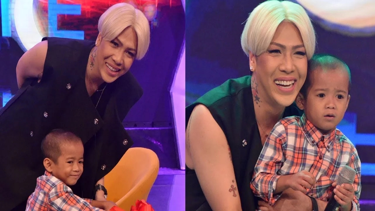 "Nakakatouch talaga! ""Gigil Kid"" Carlo Mendoza giving Vice Ganda a gift caught on video"