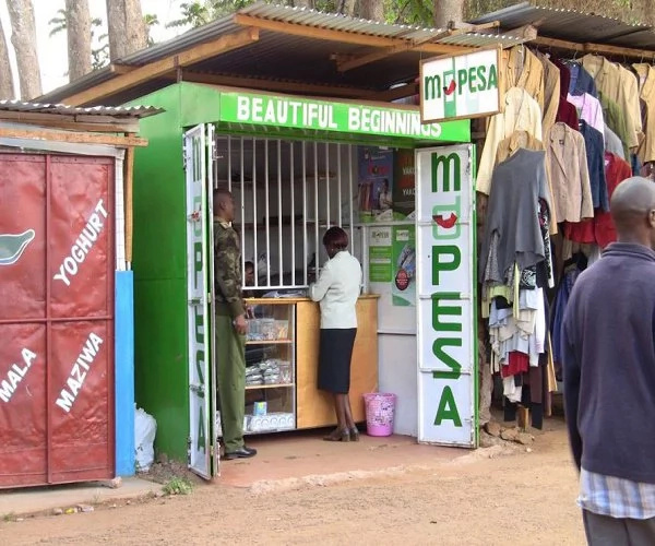 Jubilee politician caught stealing from an M-Pesa shop