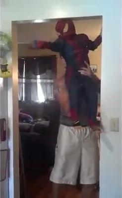 Este padre te hará morir de la risa con sus locas ocurrencias
