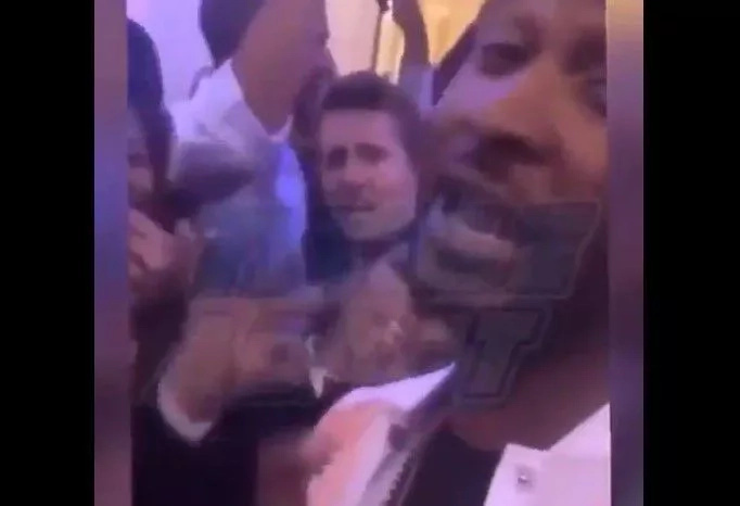 """Obama Dancing To """"Hotline Bling"""" With Usher In The White House Is Just... Hilarious"""