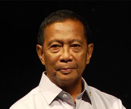 Binay uses FB to campaign against Duterte