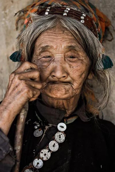 Photos of Vietnamese tribes document their dying culture
