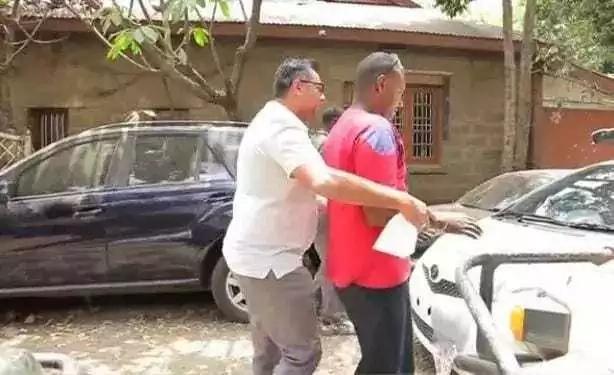 Je, wamfahamu fundigari ASIYEONA anayefanyia kazi Nairobi na kuwashangaza wengi?