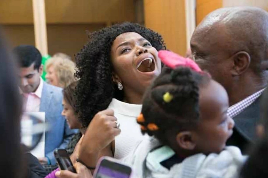 African woman becomes doctor in the USA after local couldn't save life of her 9-year-old brother (photos, video)