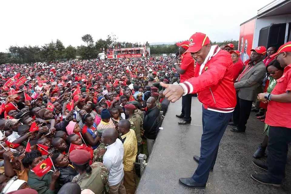 Looting and mass action will not give you power - Uhuru tells Raila