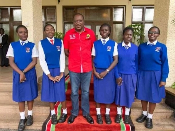 The president assured the girls of his support. Photo: Facebook/Uhuru Kenyatta