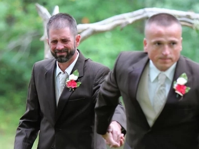 Father Of The Bride Stops Daughter's Wedding For The Best Reason Ever