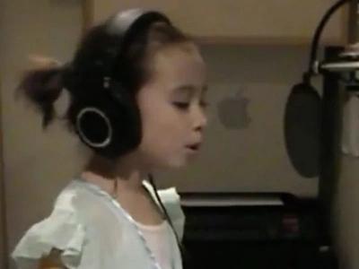 Ella perdió a su madre por el cáncer y esta niña de 8 años ¡canta una hermosa canción en su memoria!