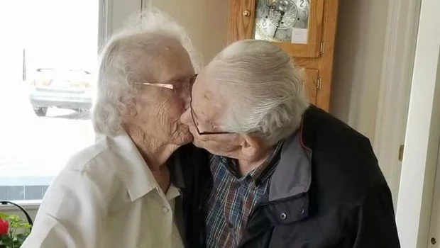 Aubrey and Herbert saying their goodbyes to each other. Photo: Facebook/Dianne Phillips