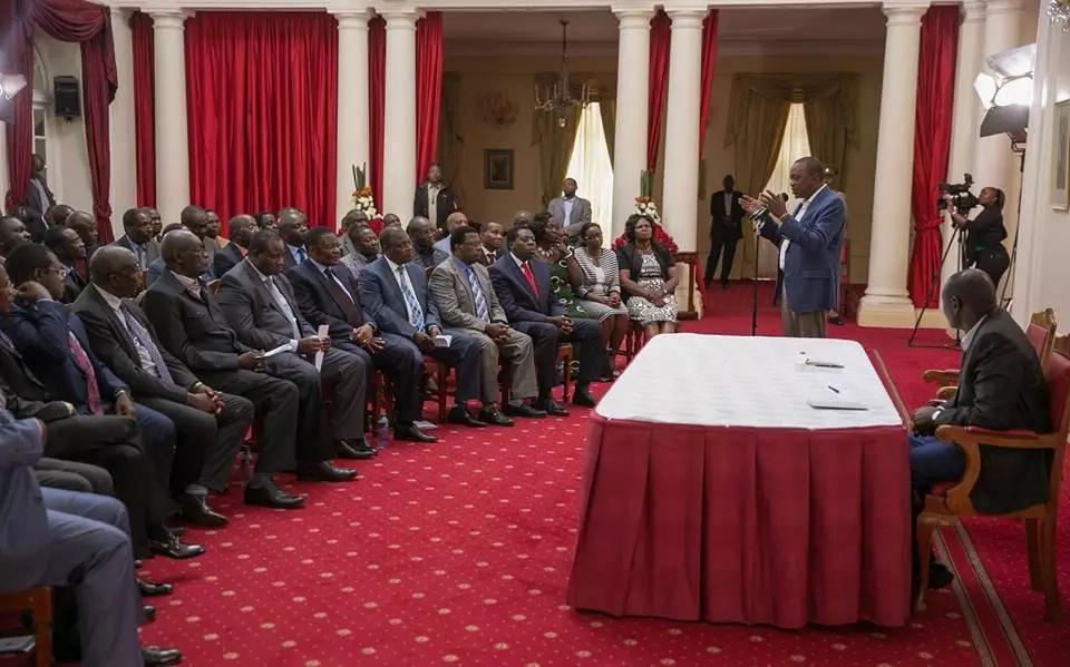Uhuru aiomba msamaha jamii ya Kisii baada ya kumvamia Jaji Maraga