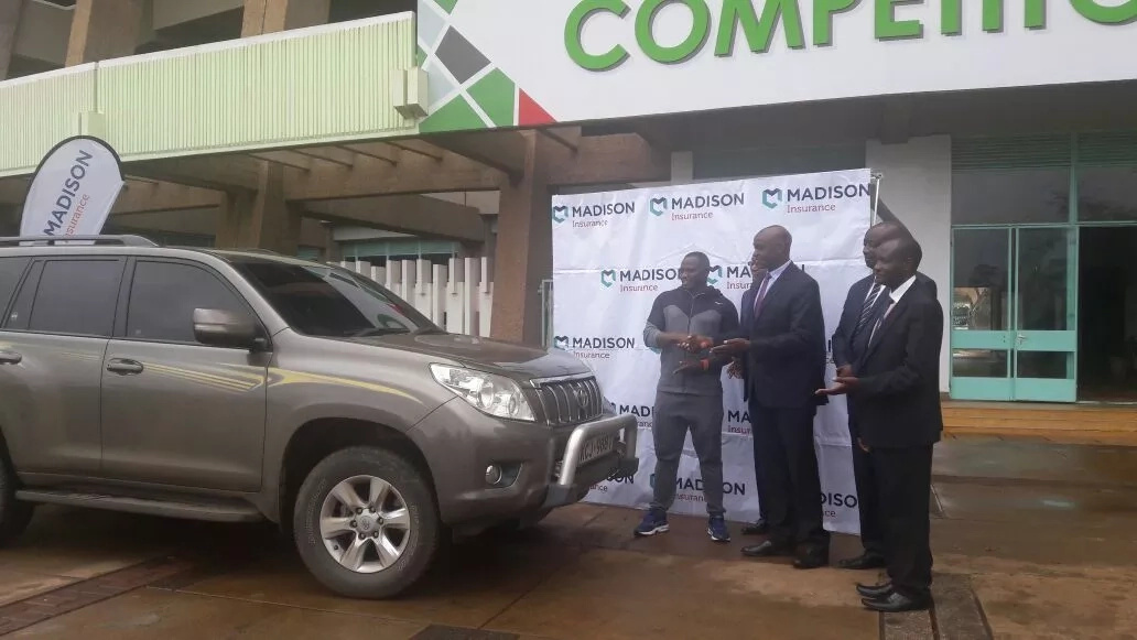 A month after after his horror crash, Julius gets a brand new car!