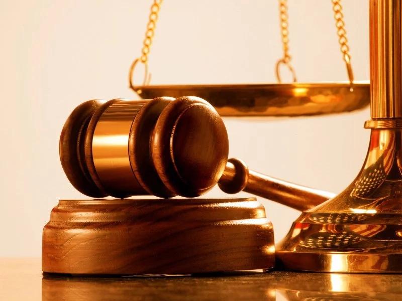 Juez suspende condena a hombre que violó a niña de 12 años